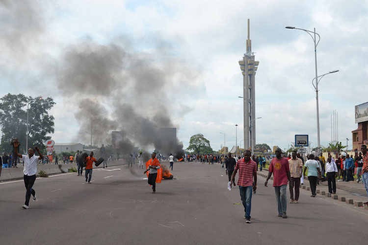 Photo: Demonstrators at the Echangeur de Limete, Kinshasa, capital of the Democratic Republic of the Congo in September 2016. Photo: Habibou Bangre/IRIN
