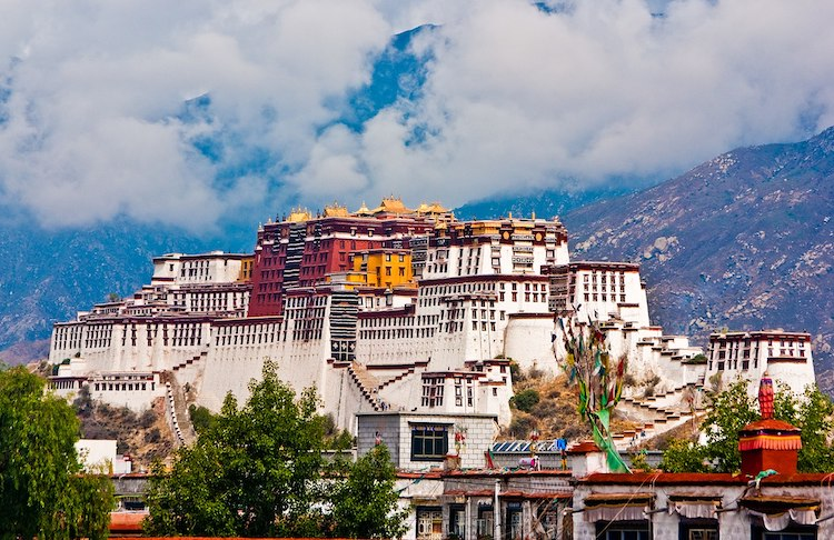 Photo: The Potala Palace in Lhasa, chief residence and political centre of the Dalai Lamas. CC BY-SA 3.0