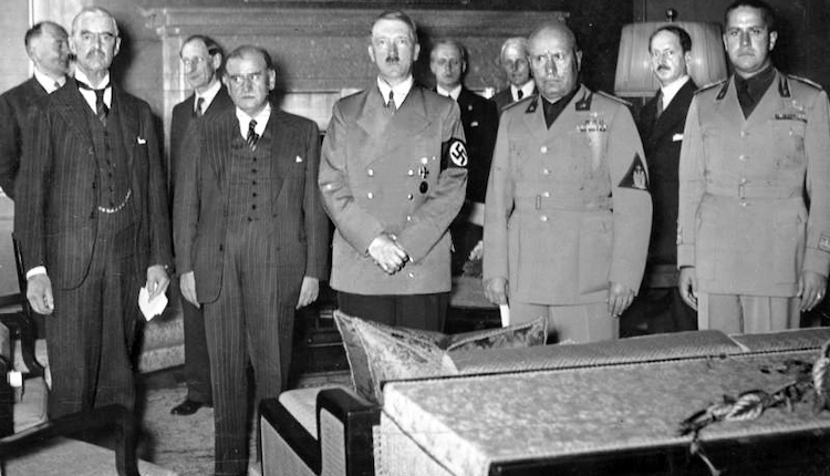 Photo: Chamberlain, Daladier, Hitler, Mussolini, and Ciano pictured just before signing the controversial  Munich Agreement in 29 September 1938. Credit: Federal German Archive, Koblenz CC-BY-SA 3.0